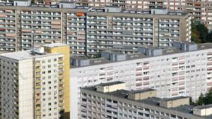 Für Arbeitslosengeld-II-Empfänger stehen alte Plattenbauten bereit