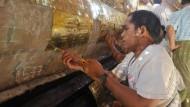 Neuer Glanz für Myanmars berühmteste Pagode