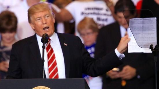 Trump verteidigt Reaktion auf Gewalt in Charlottesville