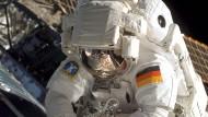 Ankleiden für Astronauten im Zeitraffer
