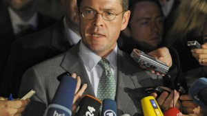 SPD hackt auf Guttenberg ein