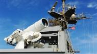 Amerikanische Marine spielt mit einer Laserkanone