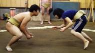 Sumo-Ringerinnen erobern Japan