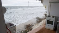 Aufräumarbeiten nach Sturmflut