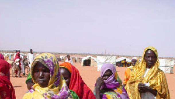 Bundesregierung stockt Flüchtlingshilfe für Sudan auf