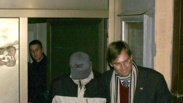 Drei Deutsche unter Geiern