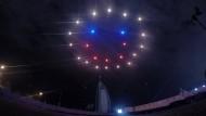 Wenn Drohnen eine Lichtshow fliegen
