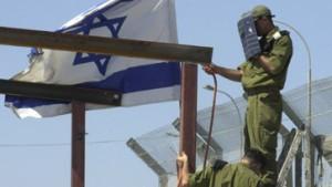 Neuer Streit belastet Friedensprozeß