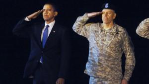 Obama salutiert Gefallenen, McCain drängt zur Eile