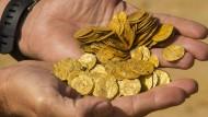 Taucher finden 1000 Jahre alten Goldschatz