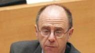 Im Schröder-Lager: Alt-Arbeitsminister Walter Riester