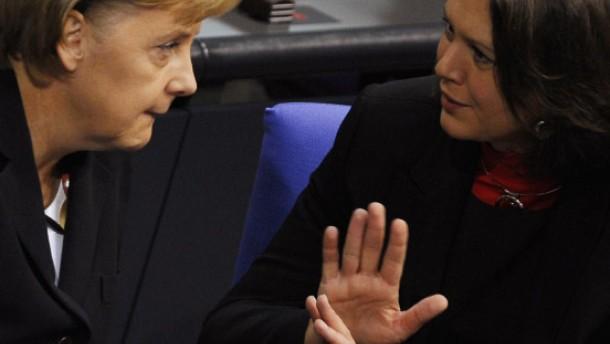 Merkel glättet Wogen nach Ultimatum