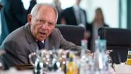 Schäubles Grexit-Linie spaltet die Koalition