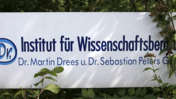 Staatsanwaltschaft ermittelt gegen 100 Professoren