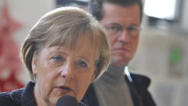 Merkel: Guttenberg hat meine volle Unterstützung