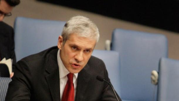 Serbischer Präsident sagt Gewaltverzicht zu
