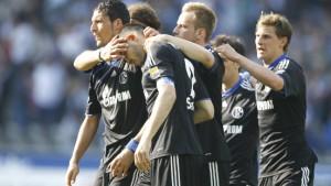 Westermann lässt Schalke vom Titel träumen