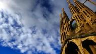 Touristen-Trubel auf der Plaza Sagrada Familia