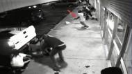 Überwachungsvideo zeigt Verdächtigen
