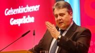 Gabriel: Seehofer fällt Deutschland in den Rücken