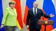 Merkel kritisiert die Lage von Minderheiten in Russland