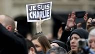 Gedenken an Attentatsopfer von Paris