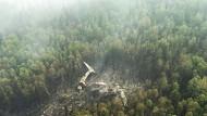 Löschflugzeug über Wald abgestürzt