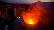 Ein Blick in die brodelnde Lava
