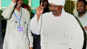 Baschir gewinnt Präsidentenwahl