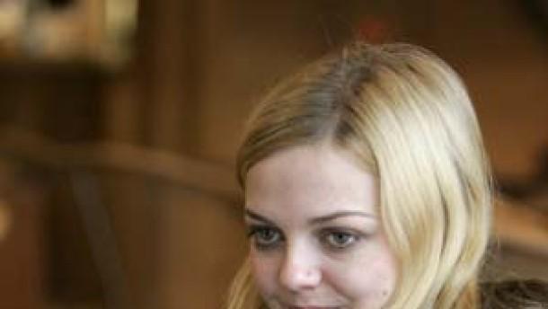 Annett Louisan: Zarte Stimme, Kindfrau-Image: Sie will