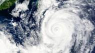 Taifun Goni erreicht japanische Inseln