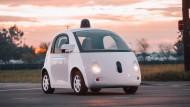 Google lässt selbstfahrendes Auto auf öffentliche Straßen los