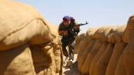 Dutzende Tote bei Kämpfen zwischen IS und syrischen Rebellen