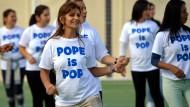 Flashmob für den Papst im Frauenknast