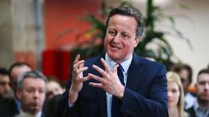 Cameron räumt Beteiligung an Briefkastenfirma seines Vaters ein
