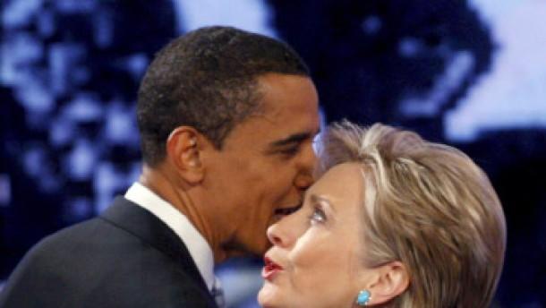 Clinton und Obama im Charakterkampf