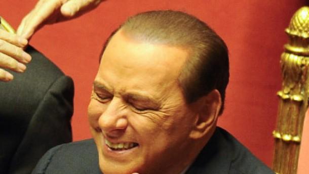Berlusconi: Sturz wäre Irrsinn