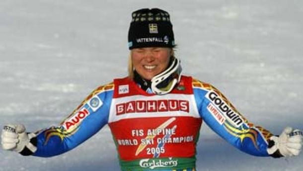 Anja Pärson zieht mit Stenmark gleich