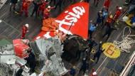 Heck der abgestürzten Air-Asia-Maschine geborgen