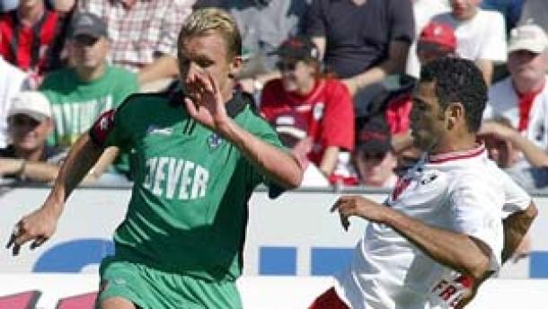 Golz patzt, Neuville rettet die Borussia