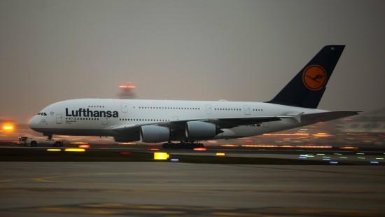 Lufthansa bleibt weiter am Boden