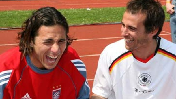 Scholl verlängert beim FC Bayern um ein Jahr