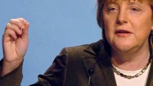 Merkel legt Fischer Rücktritt nahe