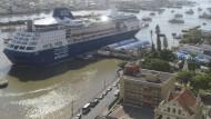 Touristen müssen auf Kreuzfahrtschiff ausharren