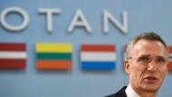 Nato lädt Montenegro ein