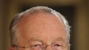 König Albert II. nimmt Rücktritt der Regierung an