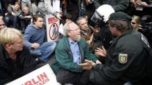Proteste gegen Neonazi-Aufmärsche