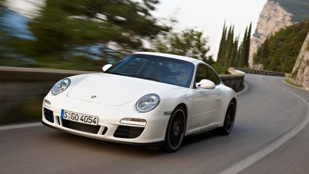Das Fusionsthema lastet schwer auf den Porsche-Aktien