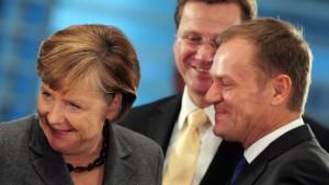 Merkel und Tusk werben für EU-Krisenmechanismus