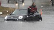 Kalifornien versinkt im Regen